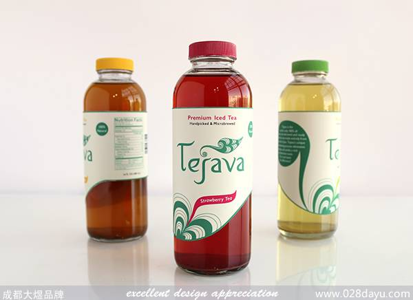 Tejava冰茶品牌是完全从精心挑选的茶叶Tejava在印度尼西亚的岛屿。这个项目是该品牌的标志和包装设计,使用印尼传统设计元素作为灵感来源。标签,以及茶的手提箱是打孔模仿茶叶的形状的标志。包装简约,却非常的漂亮,比较清新自然。 原文地址: