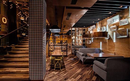 咖啡厅布局设计的非常合理,分为上下两层,使咖啡厅内