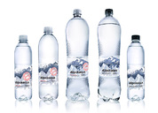 Alpokaqua 矿泉水品牌和包装设计