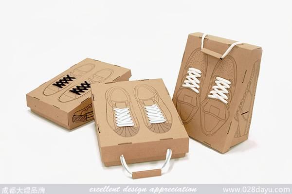 包装设计在创意性和实用性方面做了很巧妙的设计,这样的设计风格你
